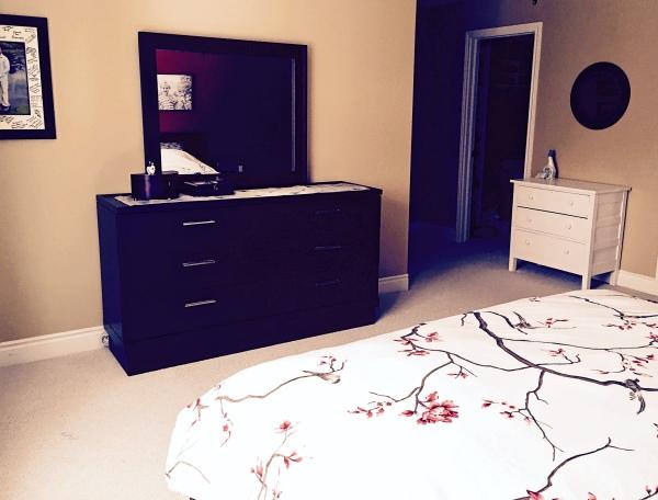 De-cluttered bedroom | Melanie Ritchie